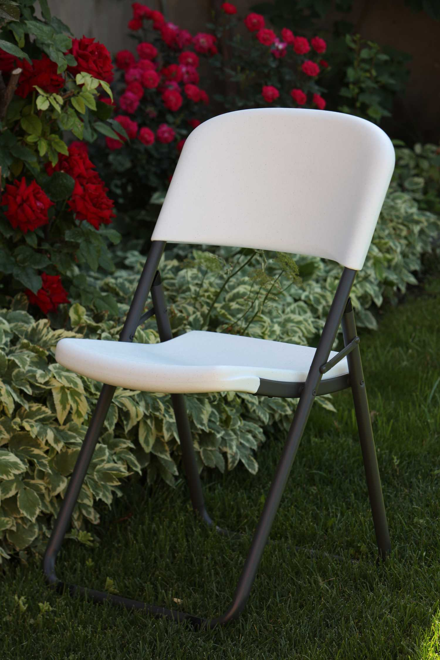 Lifetime Folding Chairs White Granite Loop Leg Chair 4 Pack